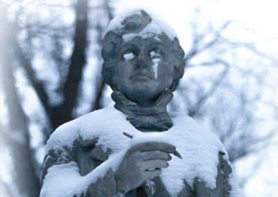 2918_statue3smlweb_copy