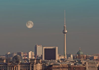 berlin_skylinemoon_sml